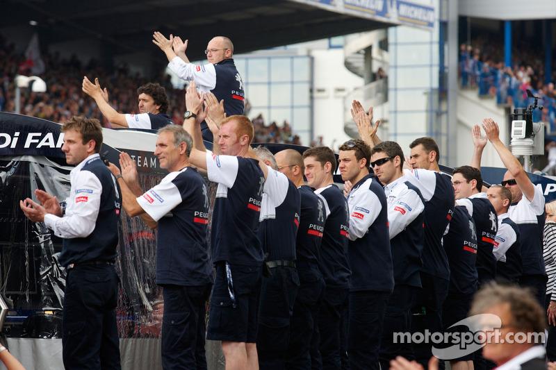 Team Peugeot Total feliciteert Audi