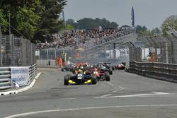Start, Yellow flags, crash, track guards, Alessio Lorandi  Carlin Dallara F312 – Volkswagen