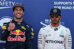 Polesitter Daniel Ricciardo, Red Bull Racing, third place Lewis Hamilton, Mercedes AMG F1 Team