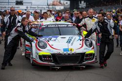 #59 Manthey Racing, Porsche 911 GT3 Cup: Steve Smith, Reinhold Renger, Nils Reimer, Hari Proczyk