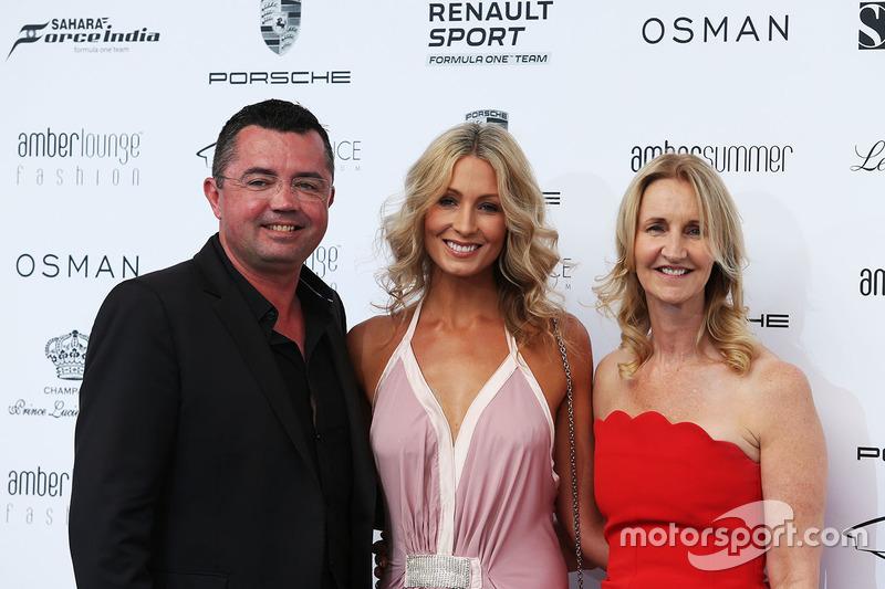 Eric Boullier, McLaren Racing Director y Sonia Irvine en el Amber Lounge Fashion Show