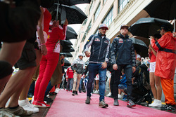 Carlos Sainz Jr., Scuderia Toro Rosso with Max Verstappen, Red Bull Racing on the drivers parade