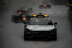Daniel Ricciardo, Red Bull Racing RB12 leads behind the FIA Safety Car
