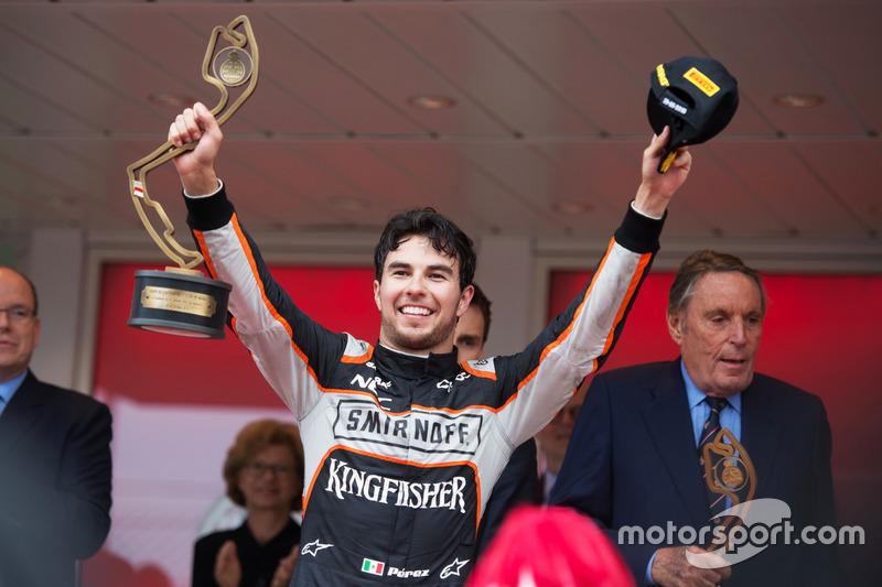 Sergio Perez, Sahara Force India F1, celebra su tercera posición.