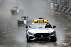 نيكو روزبرغ، مرسيدس يتصدر خلف سيارة الأمان