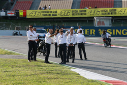 Officials dan riders di new chicane to replace turn 12