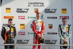 Podyum: 2. Joseph Mawson, Van Amersfoort Racing; 1. Mick Schumacher, Prema Powerteam; 3. Jannes Fittje, US Racing