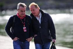 (L to R): Carlos Sainz, with Jonathan Palmer (GBR)