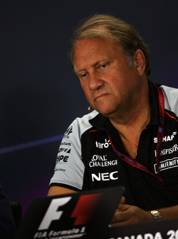 Robert Fernley, Sahara Force India F1 Teamchef bei der FIA Pressekonferenz