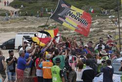 Winnaars Thierry Neuville, Nicolas Gilsoul, Hyundai i20 WRC, Hyundai Motorsport met de fans