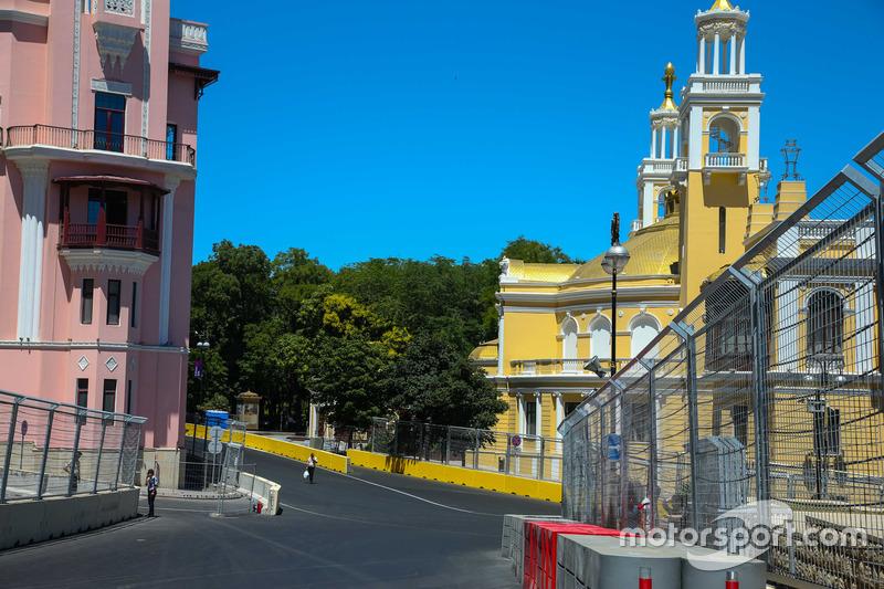 Circuito cittadino di Baku, la curva 15