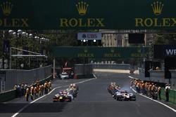 Antonio Giovinazzi, PREMA Racing & Nobuharu Matsushita, ART Grand Prix di front GP2 grid