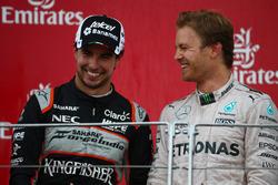 Podio: Sergio Pérez, Force India F1 VJM09 y Nico Rosberg, Mercedes AMG Petronas F1 W07