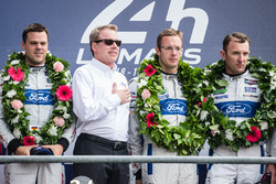 LMGT Pro podium: class winners #68 Ford Chip Ganassi Racing Ford GT: Joey Hand, Dirk Müller, Sébastien Bourdais with Ford Motor Company executive chairman Bill Ford Jr.