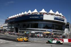 Nicky Catsburg, LADA Sport Rosneft, Lada Vesta dan Mehdi Bennani, Sテゥbastien Loeb Racing, Citroテォn C-Elysテゥe WTCC