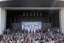 Podium: Sieger Tiago Monteiro, Honda Racing Team JAS, Honda Civic WTCC; 2. Yvan Muller, Citroën World Touring Car Team, Citroën C-Elysée WTCC; 3. Norbert Michelisz, Honda Racing Team JAS, Honda Civic WTCC