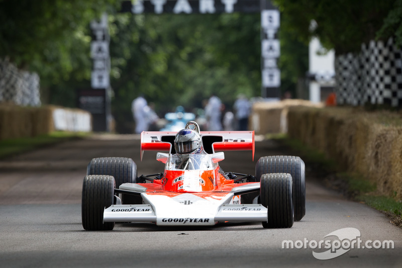 McLaren Cosworth M23 - Scott Walker