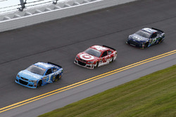 Jamie McMurray, Chip Ganassi Racing, Chevrolet; Kyle Larson, Chip Ganassi Racing, Chevrolet; Ricky Stenhouse Jr., Roush Fenway Racing, Ford