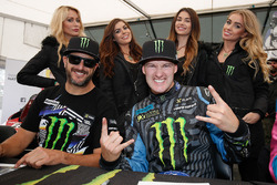 Ken Block und Andreas Bakkerud mit den Monster-Girls