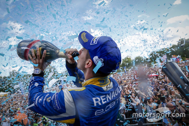 6. El podio: Champion Sébastien Buemi, Renault e.Dams