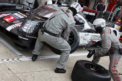 #2 Porsche Team Porsche 919 Hybrid: Ромен Дюма, Ніл Джані, Марк Ліб