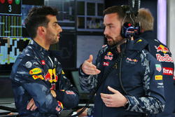 Даніель Ріккардо, Red Bull Racing та Саймон Ренні, Red Bull Racing Race Engineer