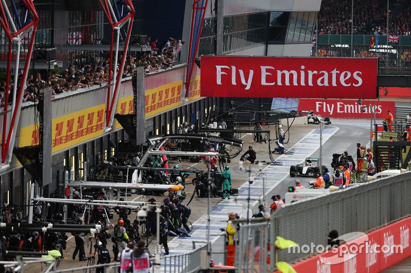 Ni las migas deja ya Mercedes a sus rivales. El equipo alemán también ejecutó el pitstop más rápido del día en el coche de Lewis Hamilton. Primera vez esta temporada que Williams no es el más veloz...