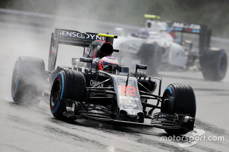 8: Jenson Button, McLaren MP4-31