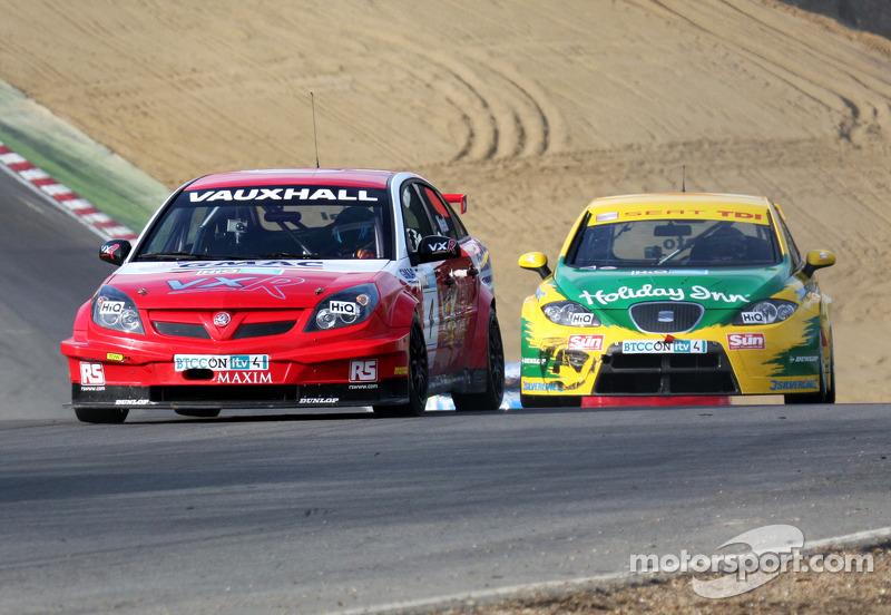 VX Racing - Vauxhall Vectra - Matt Neal - 4