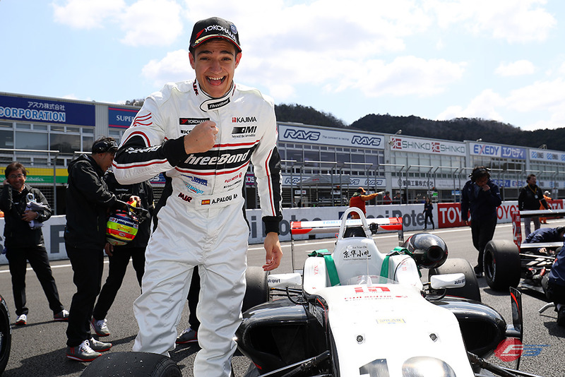 Álex Palou celebra su primera victoria