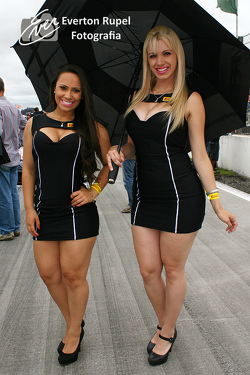 Pirelli grid girls