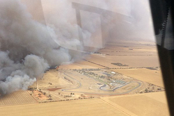 Mallala Raceway is threatened by a large bush fire
