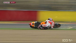 Marc Márquez Crashes from Lead - Aragon GP 2014
