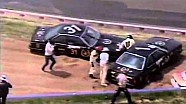 BMW teammates Richards & Fury try to dig cars out of the sand at Bathurst