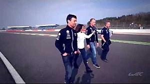 Paseo en la pista con Louise Beckett y pilotos de WEC