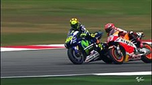 Malaysian MotoGP: clash between Valentino Rossi and Marc Marquez
