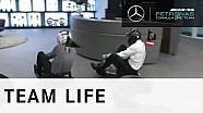 Mercedes-Weihnachtsgruß an Red Bull