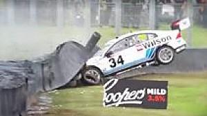 Die heftigsten Supercars-Crashs 2016
