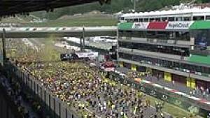 Invasi trek oleh para fans di Mugello