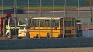 Bus sekolah di tengah balapan?