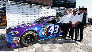 Bubba Wallace, Richard Petty introduce new partner Click n' Close