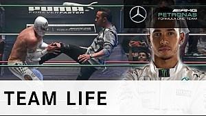 Lewis Hamilton en la lucha libre