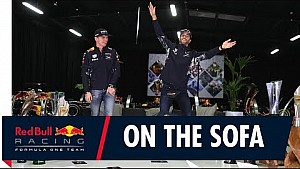 Verstappen en Ricciardo over 2017 op de Red Bull-sofa