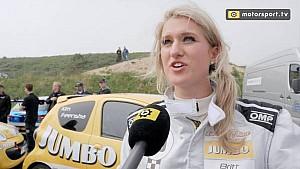 Britt Dekker finisht eerste autorace ondanks touché: